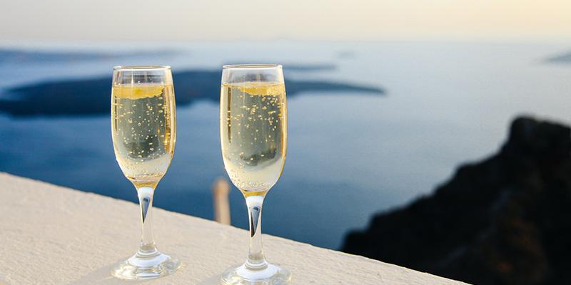 シャンパン方式で生まれる究極のスパークリング梅酒!